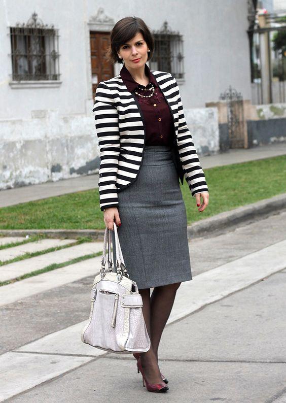 Divina Ejecutiva: Mis Looks - De gris y borgoña #divinaejecutiva #workingstyle #workinglook #workinggirl #officeattire #winter #ootd #streetstyle #alaniz #tiendasparis #express #annklein #zara #guess #rachelroy #burgundy