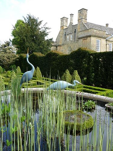 Bourton House / Cotswolds / Green Home To book go to www.notjusttravel.com/anglia