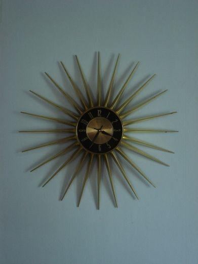 Elgin Starburst Wall Clock @Mid-Century Vibe