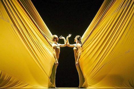 Pin By Emilia On Moodboard For Visual Treatments Set Design Theatre Scene Design Scenic Design
