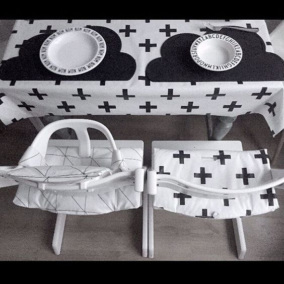 Grid and crosses:  #seatcovers #stoelkussens #stokke #tripptrapp #suzyb