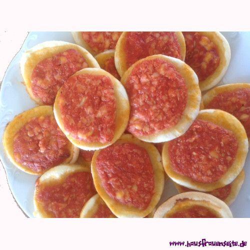 schnelle Minipizzen unsere schnellen Minipizzen sind sehr einfach zuzubereiten, gelingen und sind auch kalt genießbar (für Partybuffet o.ä.) vegetarisch