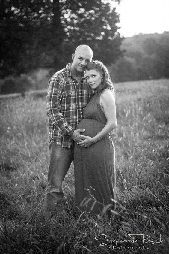 Lynch Maternity Session, maternity photos, natural light photography, sunset maternity photos, field maternity photos, family maternity photos