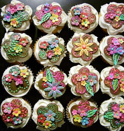 Cupcake tops made to look like quilted flowers