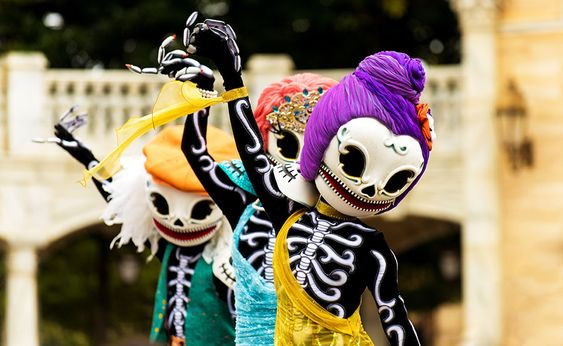 Skeleton Dancers at Tokyo Disneyland's Halloween Celebration - love those heads!