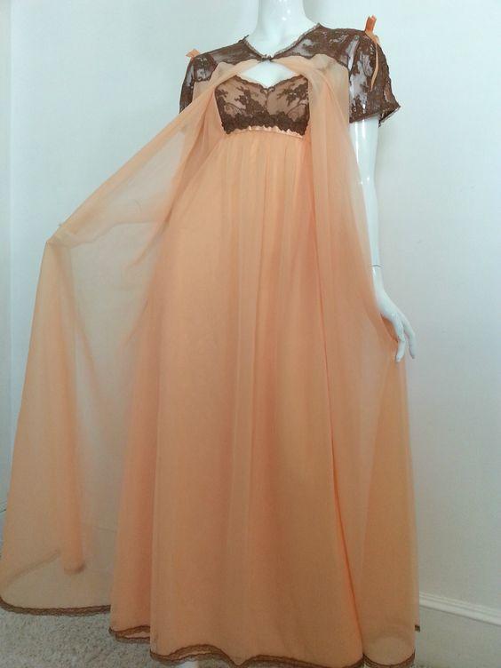 Details About Vintage Vanity Fair Nylon Peach Brown Lace