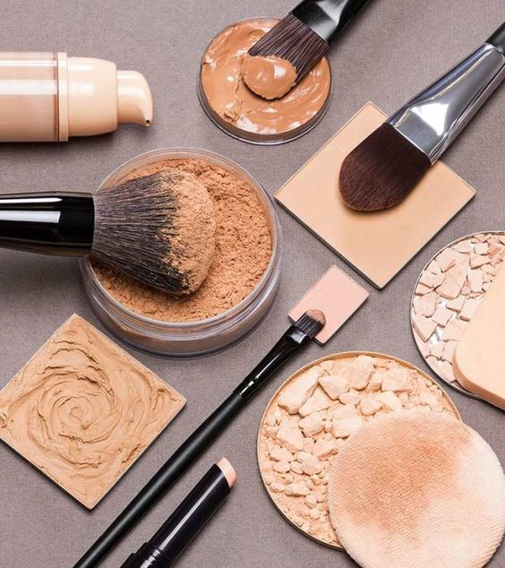 10 Best Face Makeup Products (And Cosmetics) In India - 2018 Update: Wearing the right makeup can add that much more charm and shine to your face. There are certain products that may not seem essential, but on application give you an all new look. #Makeup