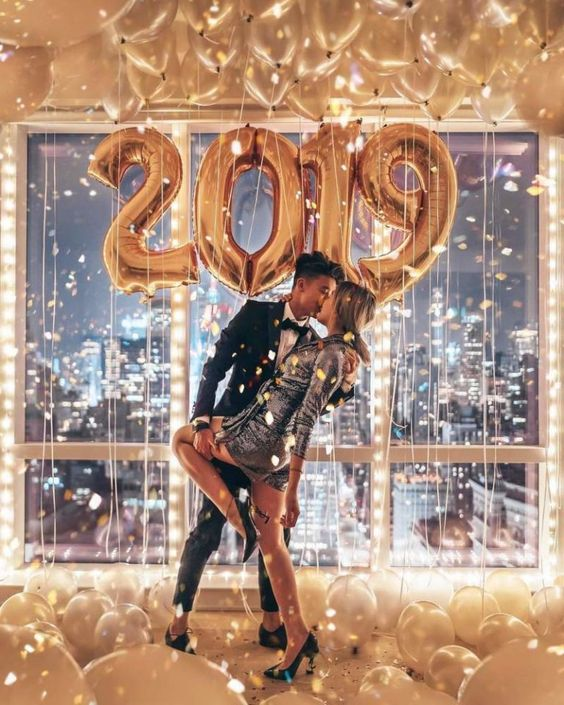 40 Couple goals Pics & bucket list for 2019 that'll make you believe in fairy tales - Hike n Dip