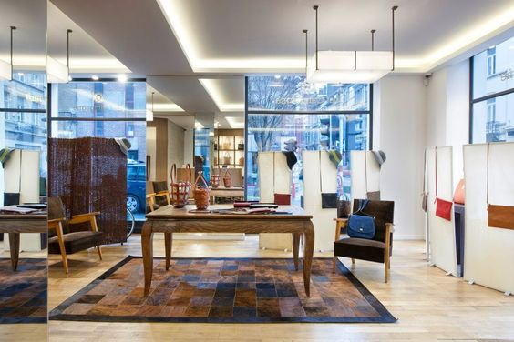 French accessories brand Just Campagne has recently opened a new store in the Belgian capital at 30, Chaussée de Charleroi. The Brussels' store is a contemporary haven which offers a wide selection of top quality leather goods in a variety of styles and designs.