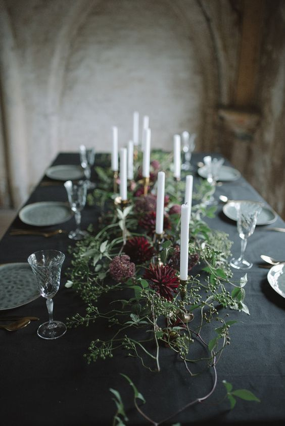 Elegant winter wedding inspiration. Would be so pretty below white twinkle lights or chandeliers!: