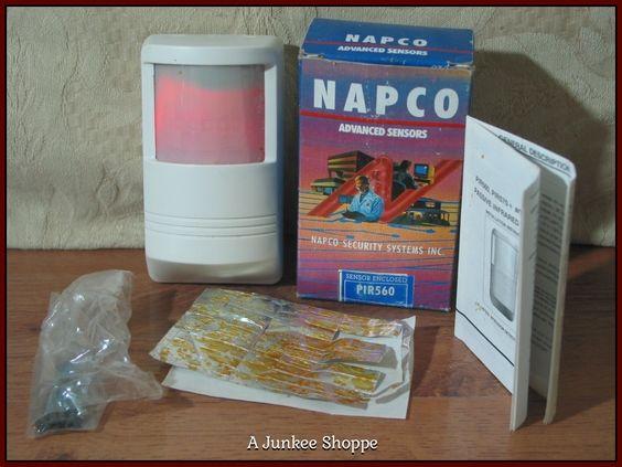 NAPCO PIR560 Security System Passive Infared Motion Detector Sensor Old Stock  P733  http://ajunkeeshoppe.blogspot.com/