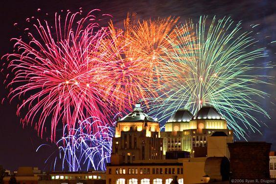 WEBN Labor Day fireworks - Cincinnati  Photo taken by Ryan Dlugosz