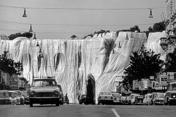 Christo, The Wall - Wrapped Roman Wall,1973-74