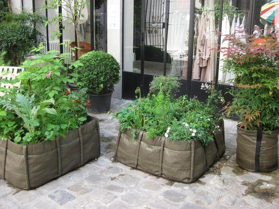 des jardini res et potagers bacsac en toile tout l gers pour faire pousser aromates et l gumes. Black Bedroom Furniture Sets. Home Design Ideas