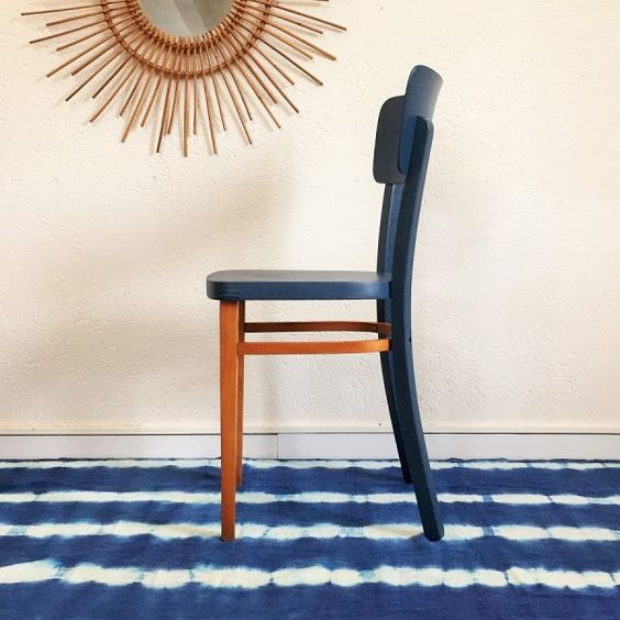 Pinterest the world s catalog of ideas for Chaise bistrot cannee bois
