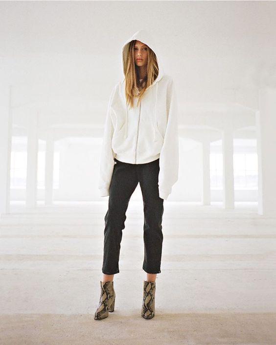 Axel Arigato FW16 Lookbook | www.axelarigato.com | #axelarigato #lookbook  #viktorvauthier #model #shoes #heels