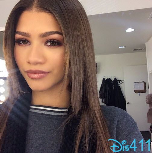 Photo Zendaya Looks Pretty For Press Day January 5, 2015