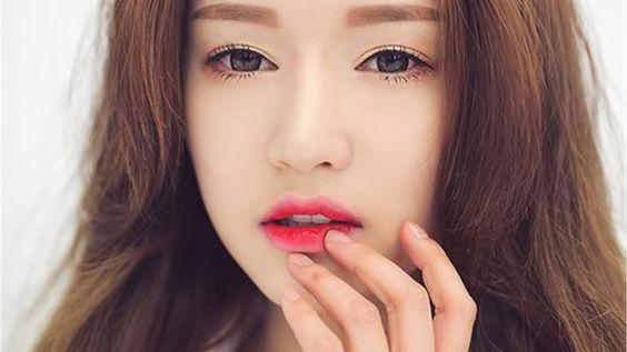 Cách đánh son lòng môi như thế nào đẹp ?