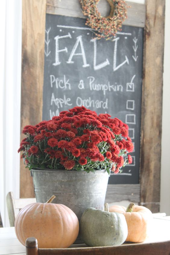 Farmhouse Fall Decor:
