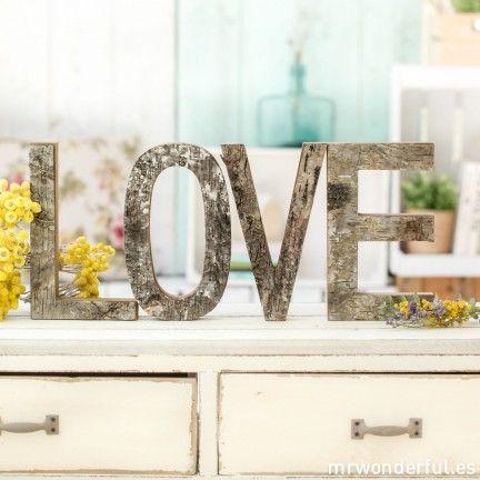 Letras LOVE de madera rústica