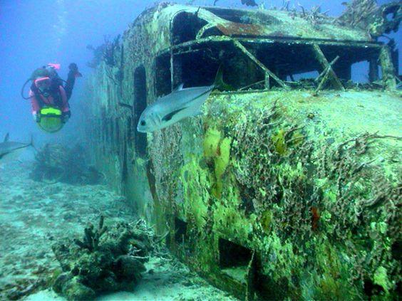 Sunken Planes   Sunken Planes Underwater Day 2   Found ...