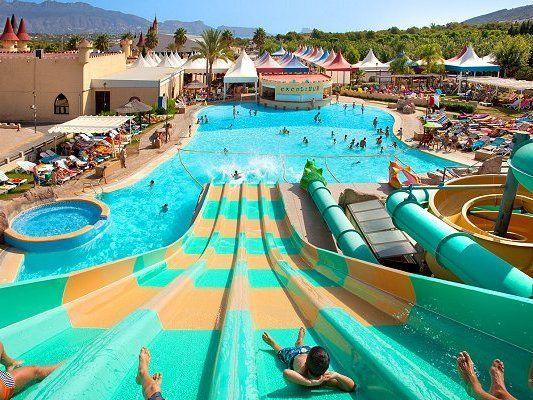 Magic Aqua Excalibur Magic Aqua Experience Hoteles Para Niños Lugares De Vacaciones Lugares Divertidos Para Ir