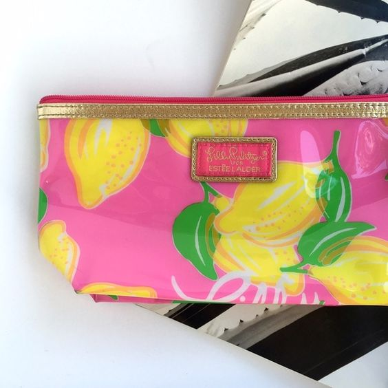 lily Pulitzer makeup bag Super cute lily Pulitzer for Estée Lauder makeup bag. Brand new. Lilly Pulitzer Bags Cosmetic Bags & Cases