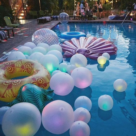 """Urban Outfitters op Instagram: """"Not to brag, but we threw the best pool party EVER with some @UOMiami employees. ✨ See more of this glow in the dark magic on the UO Blog! #USatUO #UOHome :@themagdalenaexperience"""":"""