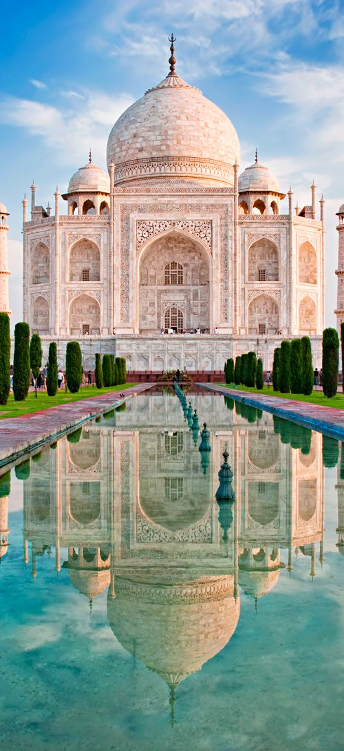 India's beautiful Taj Mahal at sunrise #India: