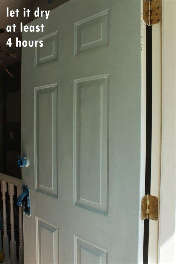のように外装扉を塗りつぶす方法 玄関扉を閉める 玄関 玄関扉