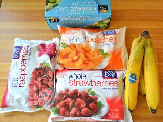DIY individual smoothie packs- this makes that morning rush go so much faster and smoother. Just toss the frozen fruit in the blender with yogart, milk, almond milk or soy milk.: