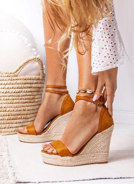 Brazowe Sandalki Na Koturnie Touch The Sky W Sklepie Deezee Pl Womens Shoes Wedges Womens Shoes High Heels Sneaker Heels