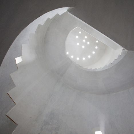 COncrete staircase by Marra + Yeh Architects