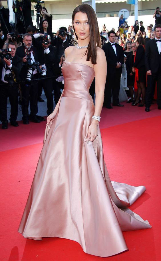 BELLA HADID in Dior | Cannes 2018