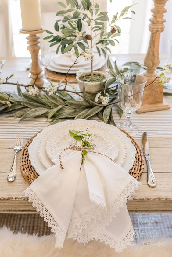 Spring Table Settings: How to Create a Gorgeous Spring Table #springtable #springdecor