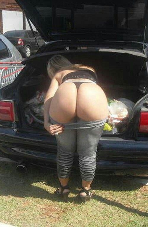 Nude big ass girl and car