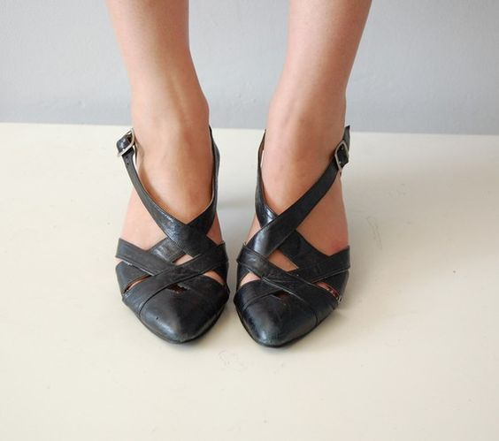 80s CRISS CROSS black heel shoes 8