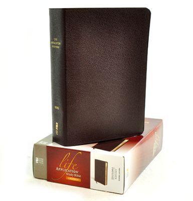 niv life application study bible with thumb index
