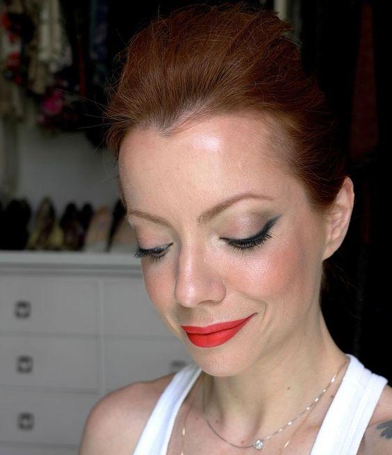Julia Petit Passo a Passo Pronta Pra Sexta maquiagem