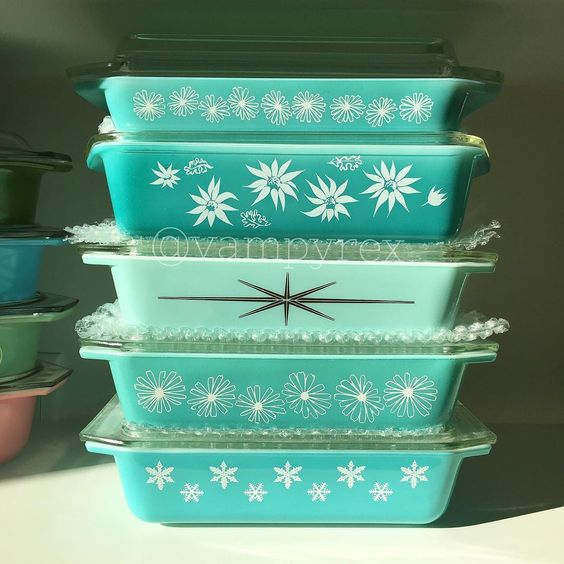 New Year's Day reorganizing. Remembering why I love #pyrex