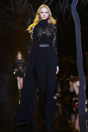 Elie Saab Ready To Wear Fall Winter 2015 Paris - NOWFASHION