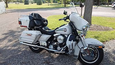 Harley-Davidson: Touring 1997 flhtcui 125 th shrine edition 42.500 mechanically sound oh c https://t.co/e2q9w5PLoX https://t.co/M14rmA5tkw