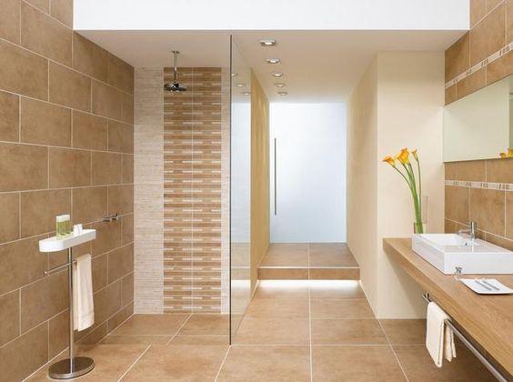 Sandfarbene Badezimmer