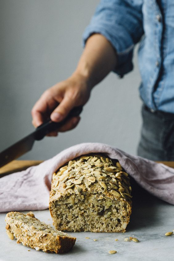 Caramelized banana bread with chia seeds and nuts