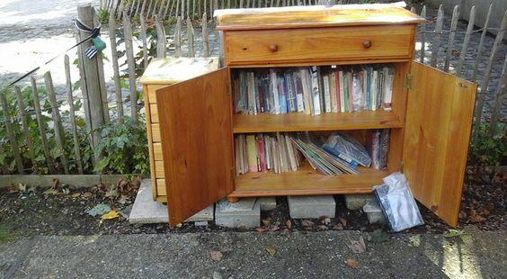 Boekenkastje Ekeren