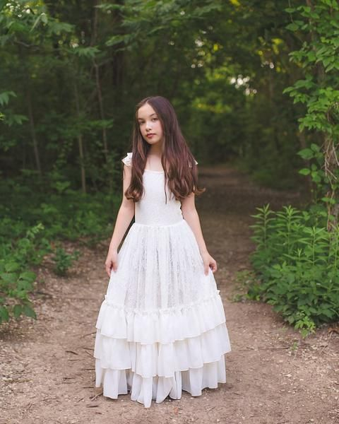 White Lace Tulle Girls Dress Ivy dress Junior Bridesmaid dress Lace flower girl dress Bohemian Boho Flower girl dress Flower girl dress