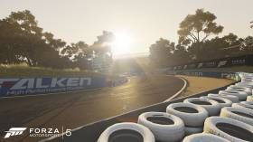 One of the world's most heralded racing circuits is coming to Forza Motorsport 5 -- Bathurst! Since its opening in 1938, the Mount Panorama Circuit at Bathurst has become a fan favorite, home to countless classic races. Anyone who has seena race thereknows that it's unlike any other racing circuit. A long, narrow track winding up ...