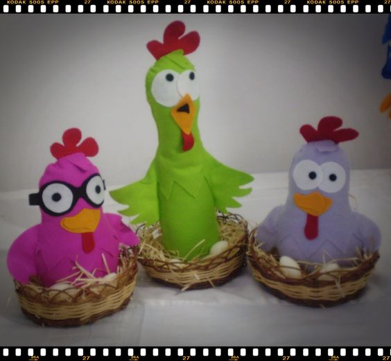 Turma da galinha pintadinha - Galinhas cantoras: Chicken, Class, Felt, Freshly Painted Chicken, Diy Fieltro, Saltshaker
