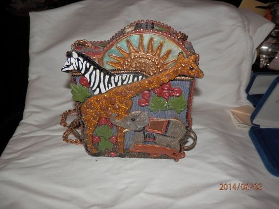Mary Frances Bag with African Animal Theme #MaryFrances #ShoulderBag