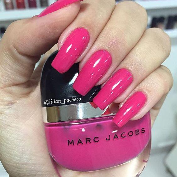 Começando o mês de outubro com esse rosinha em homenagem ao #outubrorosa! O nome da cor é #Shocking do #MarcJacobs!…